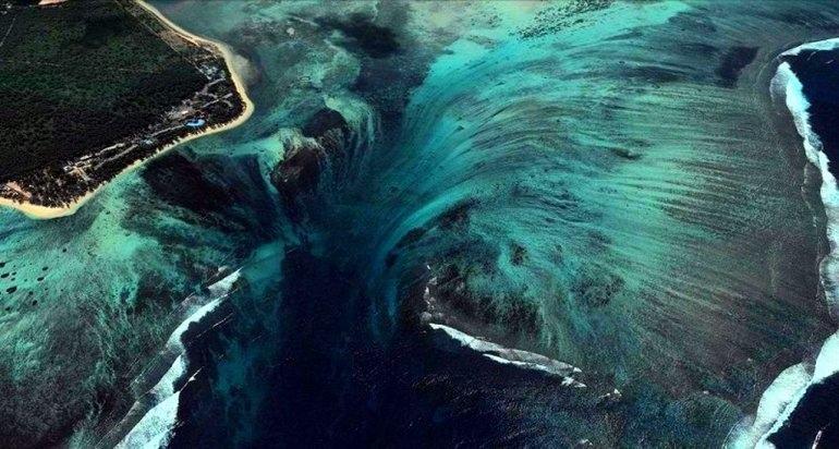 Подводные водопады на Маврикии, изображение №5