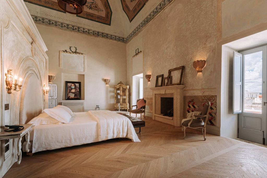 Бутик-отель в историческом дворце в Остуни