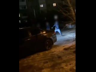 Как в 90-е_ В Улан-Удэ мужчина поймал пулю во дворе жилого дома